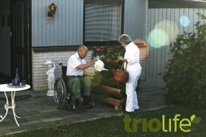 trio_senior_couple